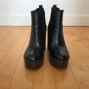 Steve Madden Black Geanna platform ankle boots